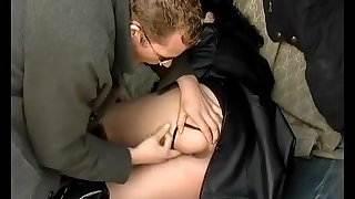 german mom backseat anal fucked